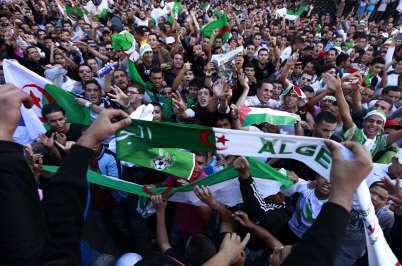 algeriesupportersreu.jpg